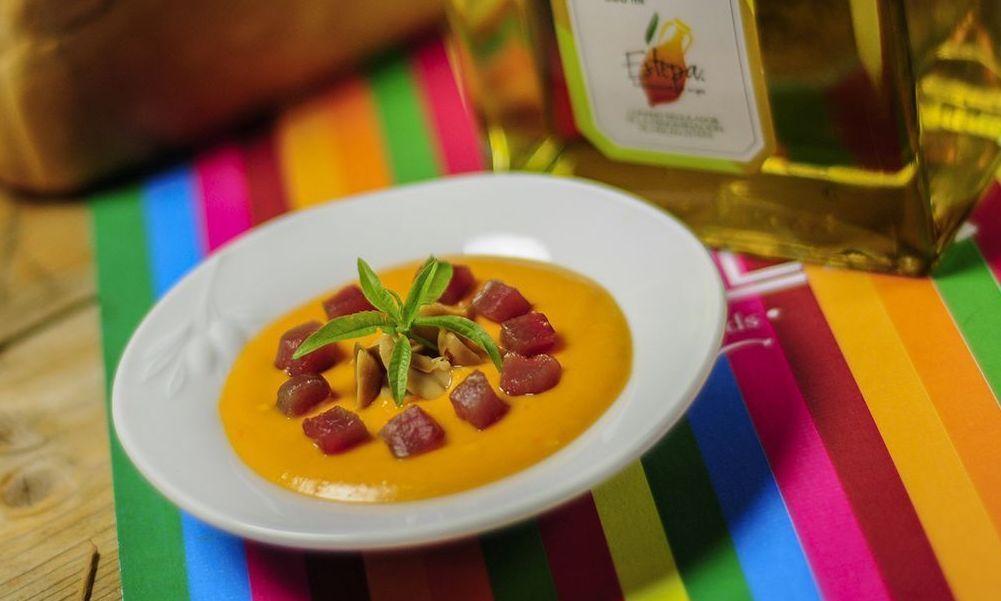 Salmorejo de uvas y pimienta rosa con Aceite de Oliva Virgen Extra Selección