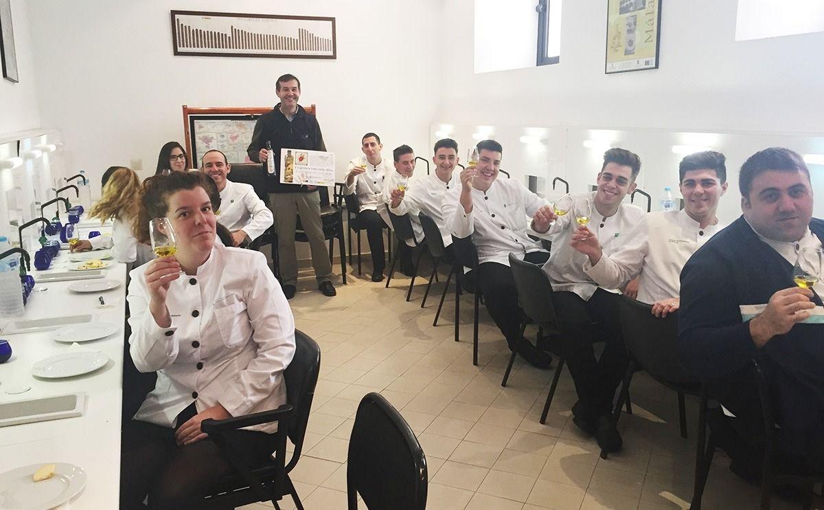 cata en escuela de hostelería de Málaga