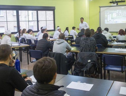 """La """"Escuela del Aceite"""" aterriza en Asturias"""